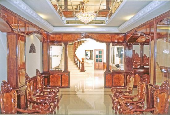 Star Hotel : View of the hotel lobby