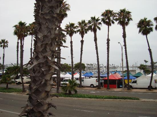 SeaPort Marina Hotel: market day - opposte