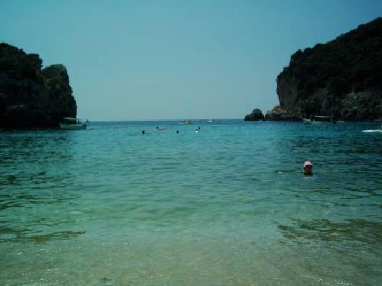 Paleokastritsa Beach : Paleo