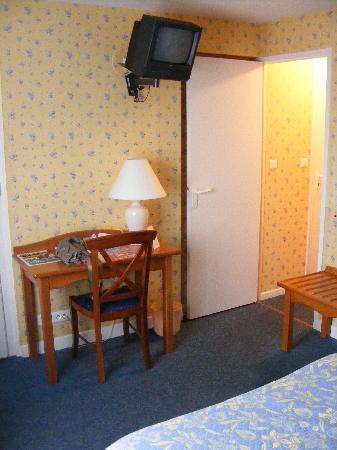 Grand Hotel de l'Europe : Coin Tv de la chambre
