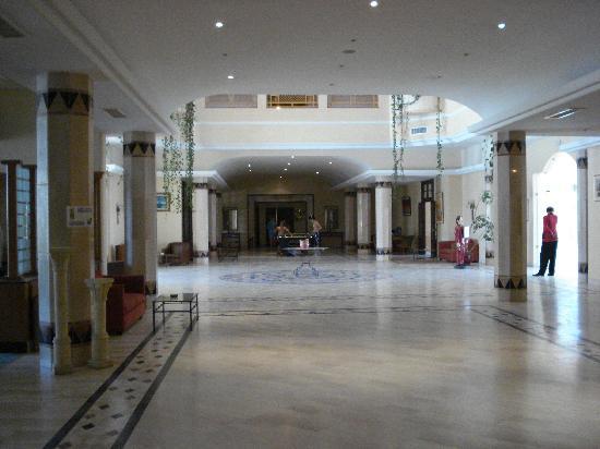 Marina Palace: Hotel Lobby