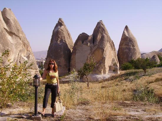 Tourist Hotel & Resort Cappadocia : jardines del hotel