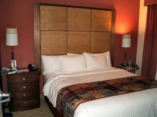 Residence Inn Phoenix North/Happy Valley: Bedroom