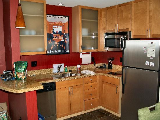 Residence Inn Phoenix North/Happy Valley: Kitchen Upclose