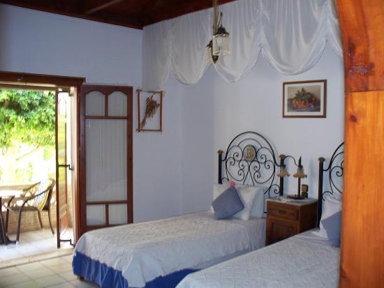 Garden Village Apartments: Garden Village studio
