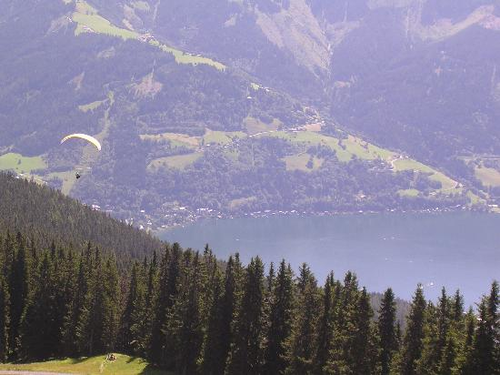 Hotel Berner: A view from Schmittenhohe down to Zell