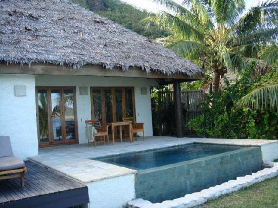 Tokoriki Island Resort: Sunset Villa pool