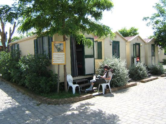 Camping Village Roma: My son in the thoroughfare