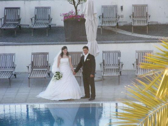 Azoris Royal Garden - Leisure & Conference Hotel: Wedding at outdoor pool