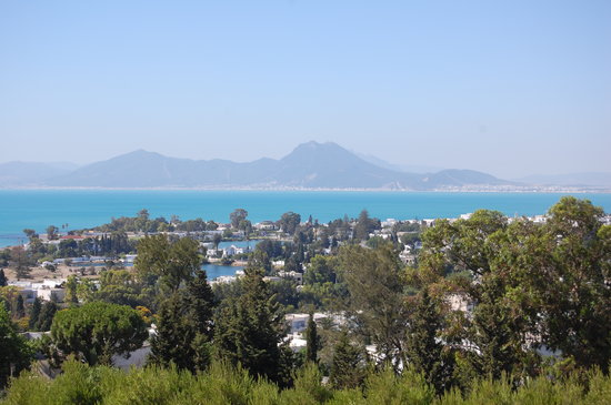 Tunisie : Views over Tunis from Carthage