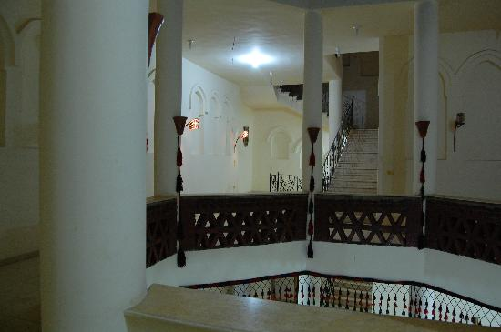 Hotel Sheherazade: Part of the hotel staircase