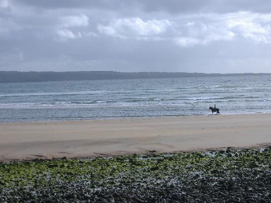 Hotels In Clare Near Beach