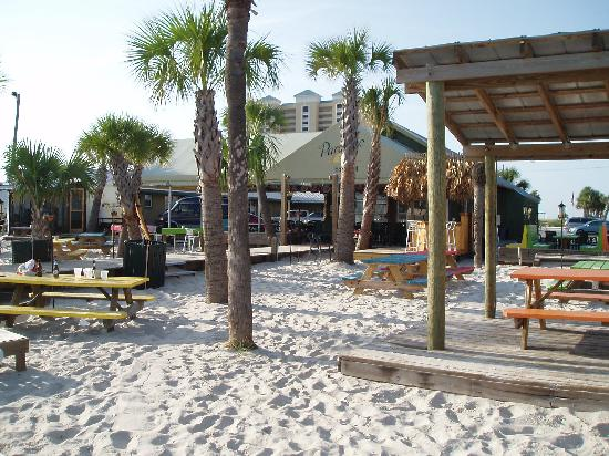beach by paradise inn picture of paradise inn pensacola. Black Bedroom Furniture Sets. Home Design Ideas