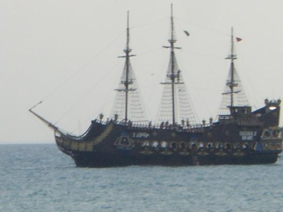 Chich Khan hotel : bateau pirate