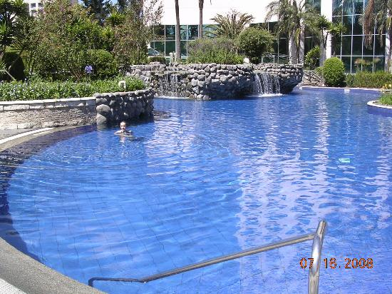 JW Marriott Hotel Quito: Marriott's heated pool