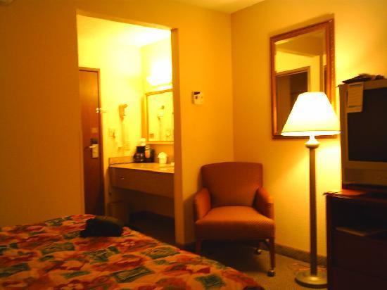 La Quinta Inn Hartford Bradley Airport: Room