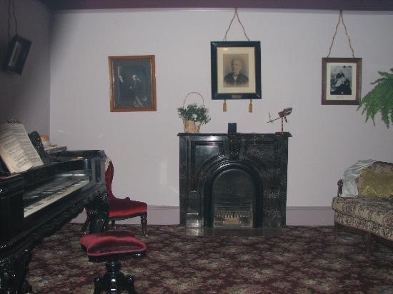 Helmcken House: Interior of (haunted) living room