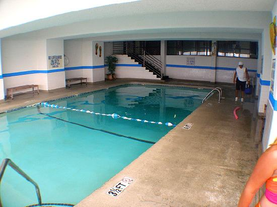 The Reef at South Beach: Early Morning Indoor Pool