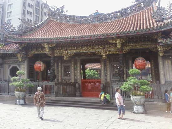 Taiwan: Longshan Temple, Taipei