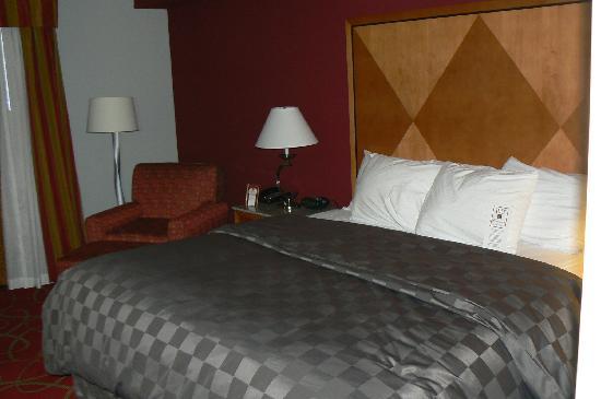 Comfort Suites Glen Allen: Hotel room