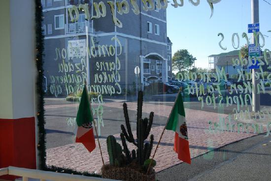 Guadalajara Taco Shop : Inside the restaurant
