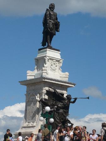 Québec (ville), Canada : Statut de Champlain