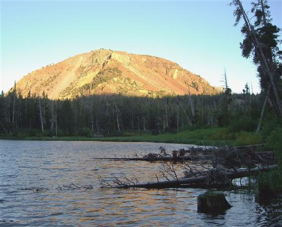 Twin Lakes Campground: View from Twin Lakes