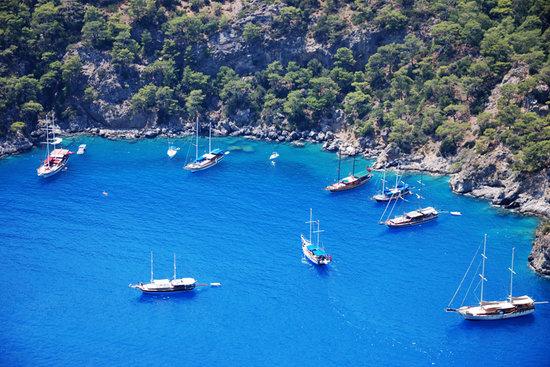 Ölüdeniz, Türkiye: ships...