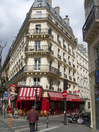 Le Bistro : best cafe in Paris