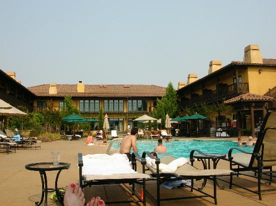 The Lodge at Sonoma Renaissance Resort & Spa: Pool Area and Main Bldg