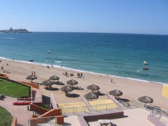 Las Palomas Beach & Golf Resort: view from our 4th FL. balcony C406