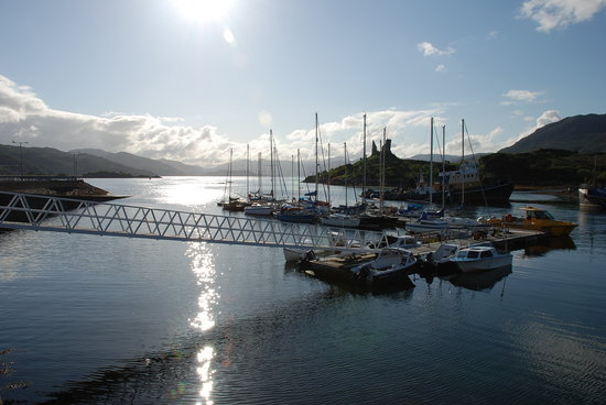 Kyleakin, UK: harbour view