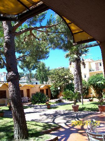 Hotel Terme Principe : patio / giardino dove si affacciano le dependances