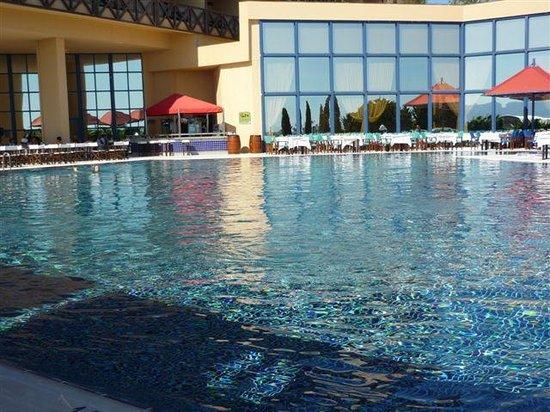 Grand Hotel Ontur : L'une des piscine
