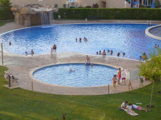 Apartamentos Los Juncos : piscine