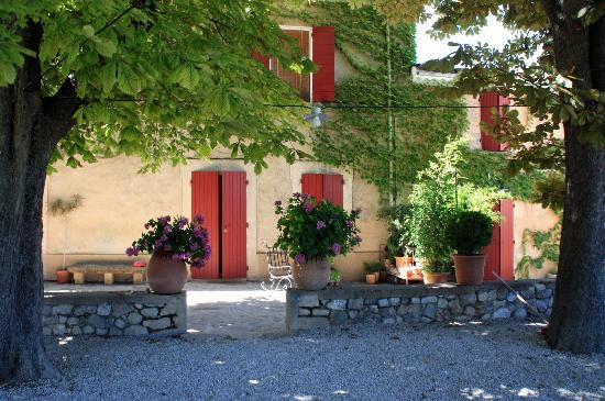 Campagne le Bec : Side view of the house