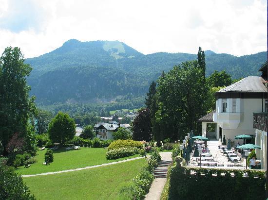 St Gilgen, Autriche : Blick vom Balkon auf Restaurantterasse