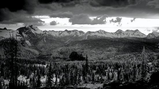 Granite Park Chalet: chalet vista