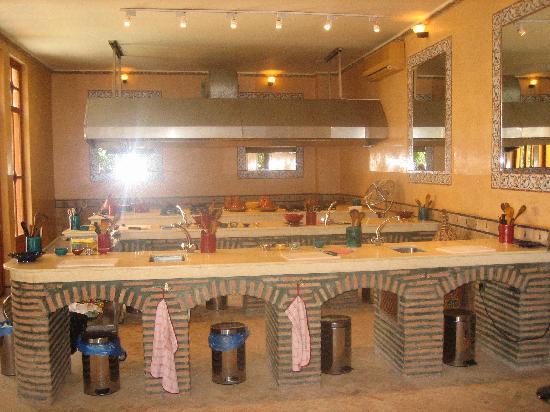 Cours de cuisine picture of la maison arabe marrakech for Ateliers de cuisine de la maison arabe