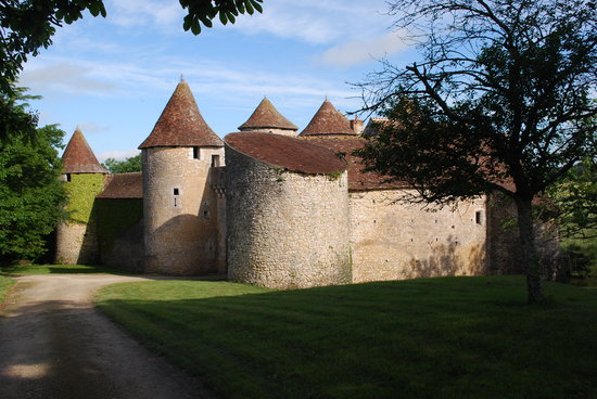 Chateau de Forges: The castle in the morning.