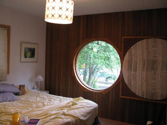 The Glass House B&B: The Garden Room