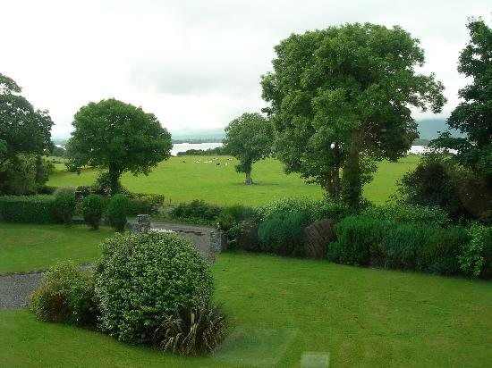 Loch Lein Country House: View from bedroom