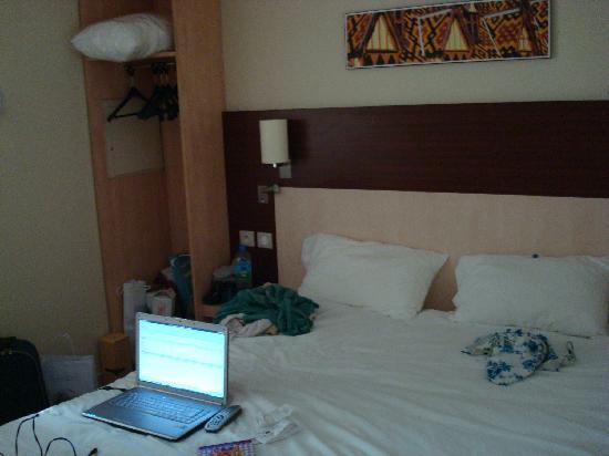 Kyriad Beaune : room