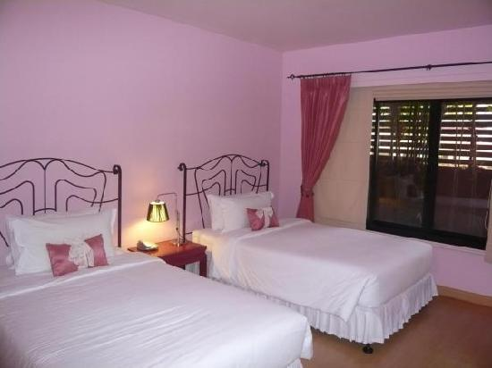 Glur Chiangmai: rose n lychee room