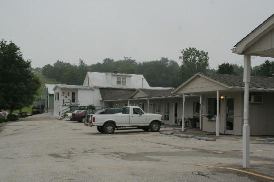 Hermann Motel: The New Wing