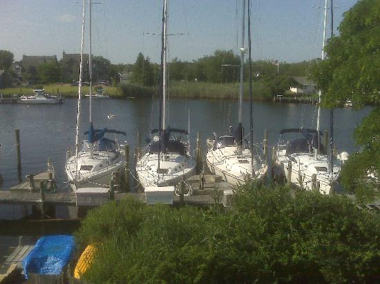 Inn at Rivers Edge Marina: Pic 2 from our balcony