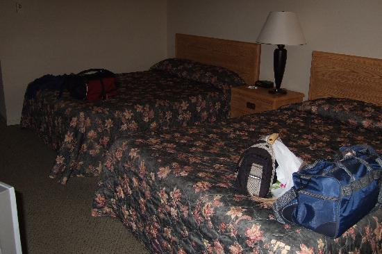 Quality Inn & Suites 1000 Islands: Two large beds