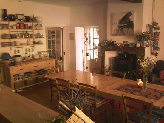 La Maison de la Riviere: Kitchen that leads onto the terrace