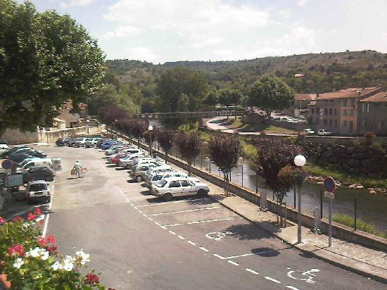 La Maison de la Riviere: view of the river Aude and hills from our balcony