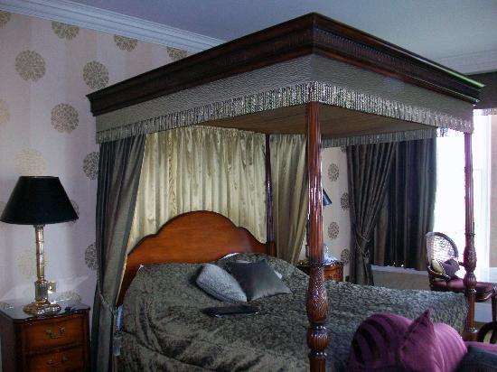 Grand Hotel Bridal Suite